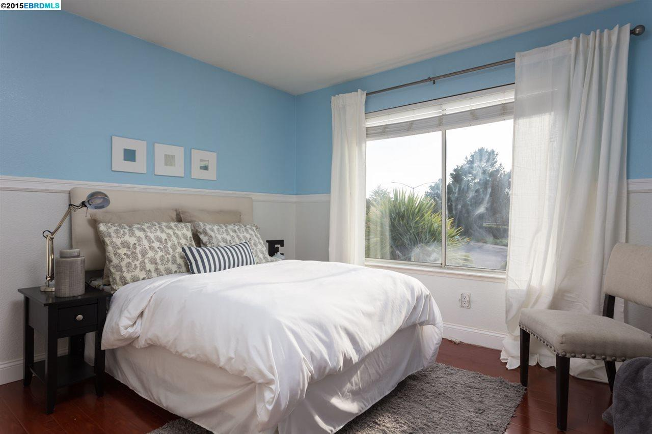 Additional photo for property listing at 41 SEAGULL Drive  Richmond, Californie 94804 États-Unis