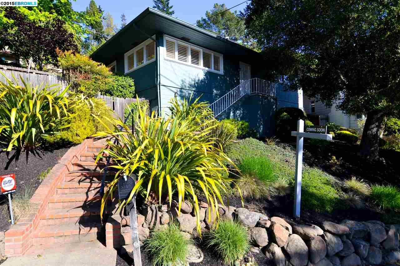 واحد منزل الأسرة للـ Sale في 5628 Colton Blvd Oakland, California 94611 United States