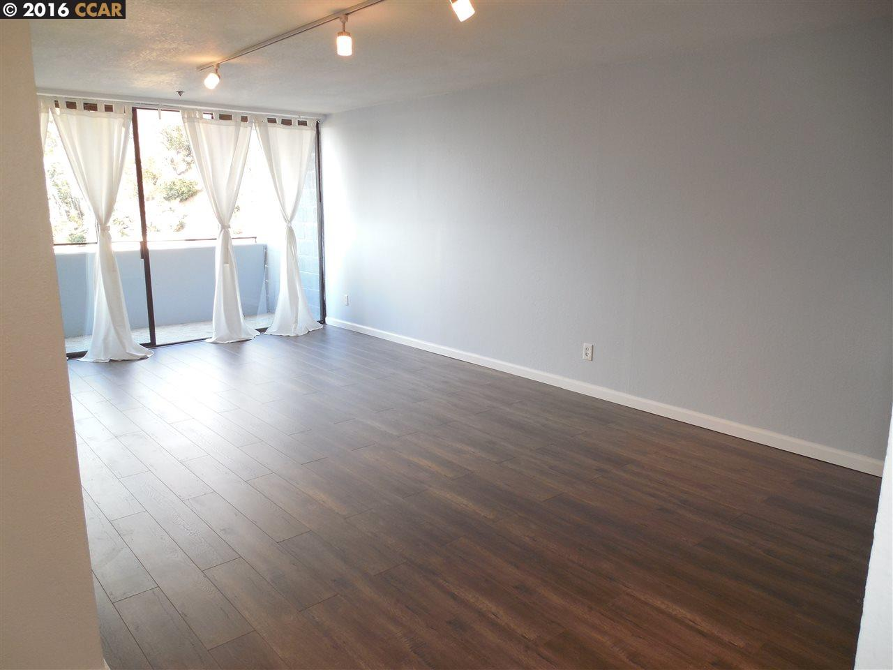 Additional photo for property listing at 555 PIERCE Street  Albany, カリフォルニア 94706 アメリカ合衆国