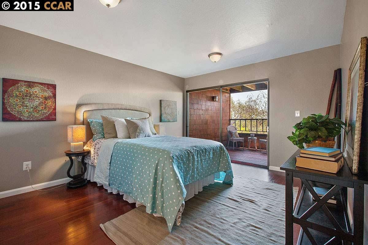 Additional photo for property listing at 9 SERENO Circle  Oakland, カリフォルニア 94619 アメリカ合衆国