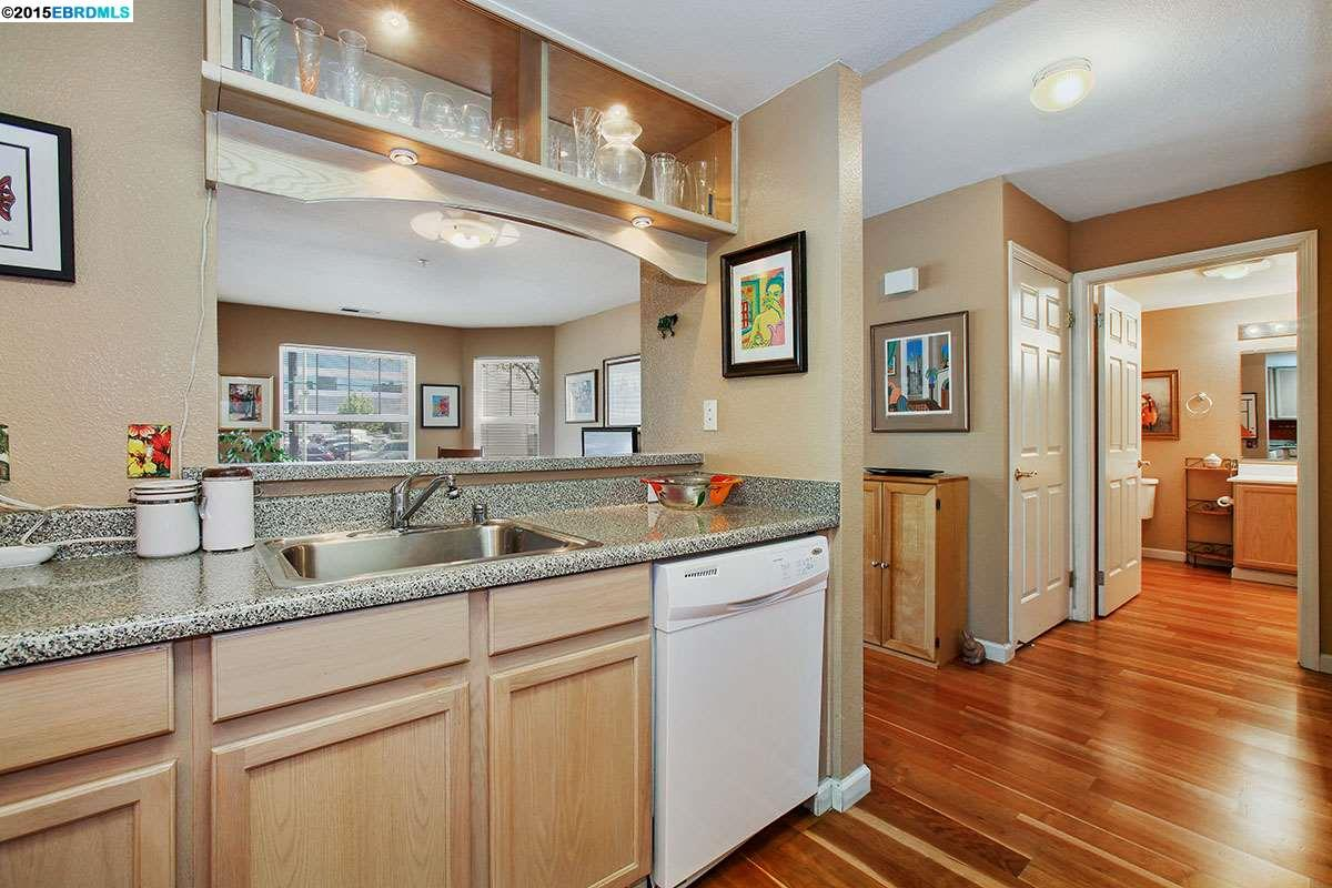Additional photo for property listing at 555 10TH Street  Oakland, Kalifornien 94607 Vereinigte Staaten