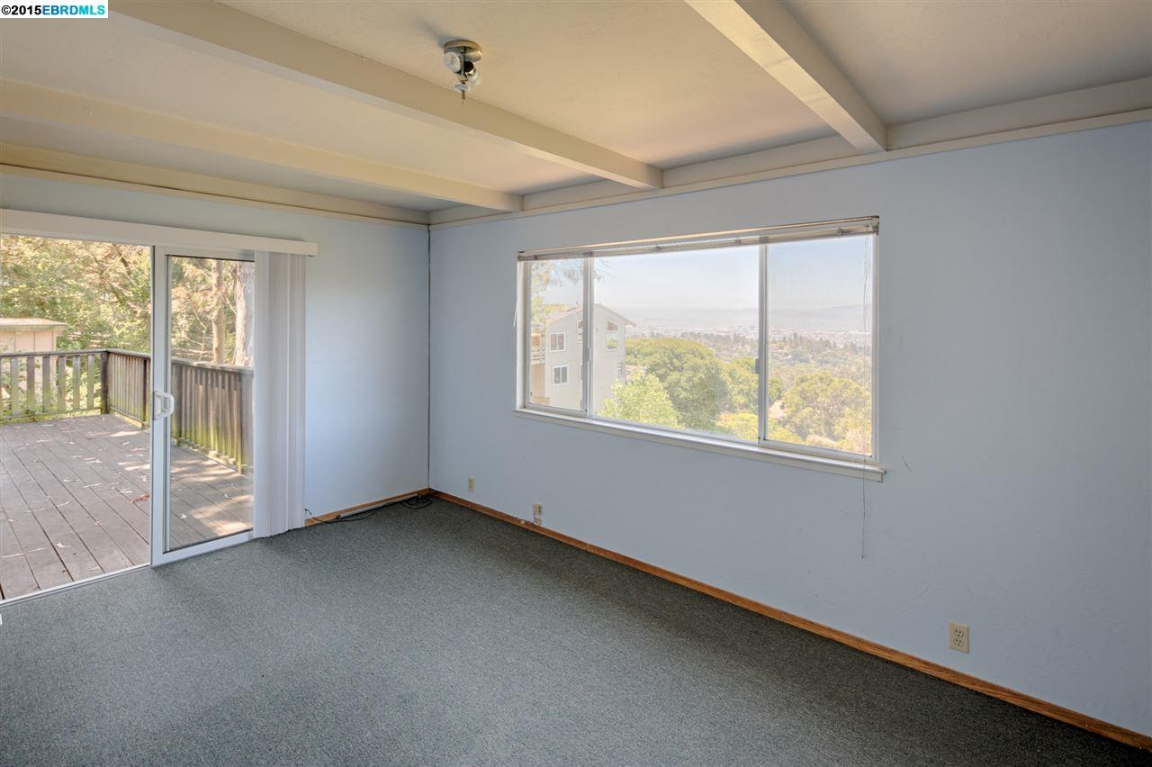 Additional photo for property listing at 6509 SNAKE ROAD  Oakland, 加利福尼亞州 94611 美國