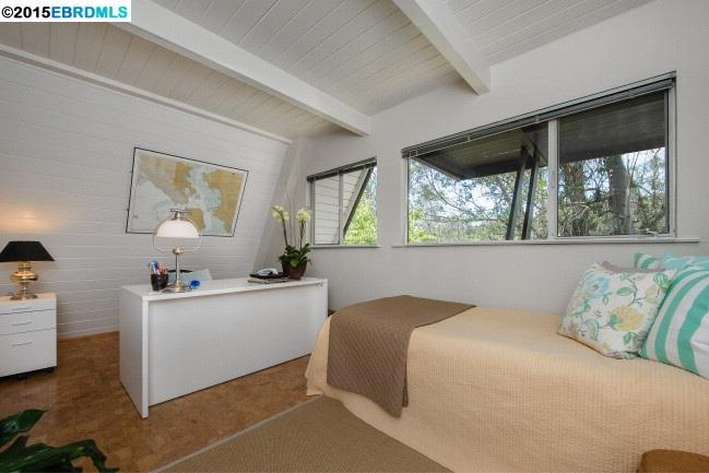 Additional photo for property listing at 6143 WESTOVER Drive  Oakland, カリフォルニア 94611 アメリカ合衆国
