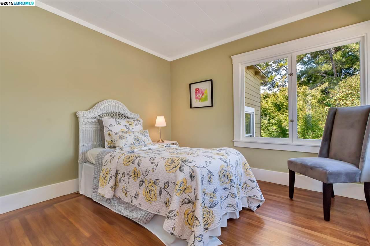 Additional photo for property listing at 5227 Cole Street  Oakland, Californie 94601 États-Unis