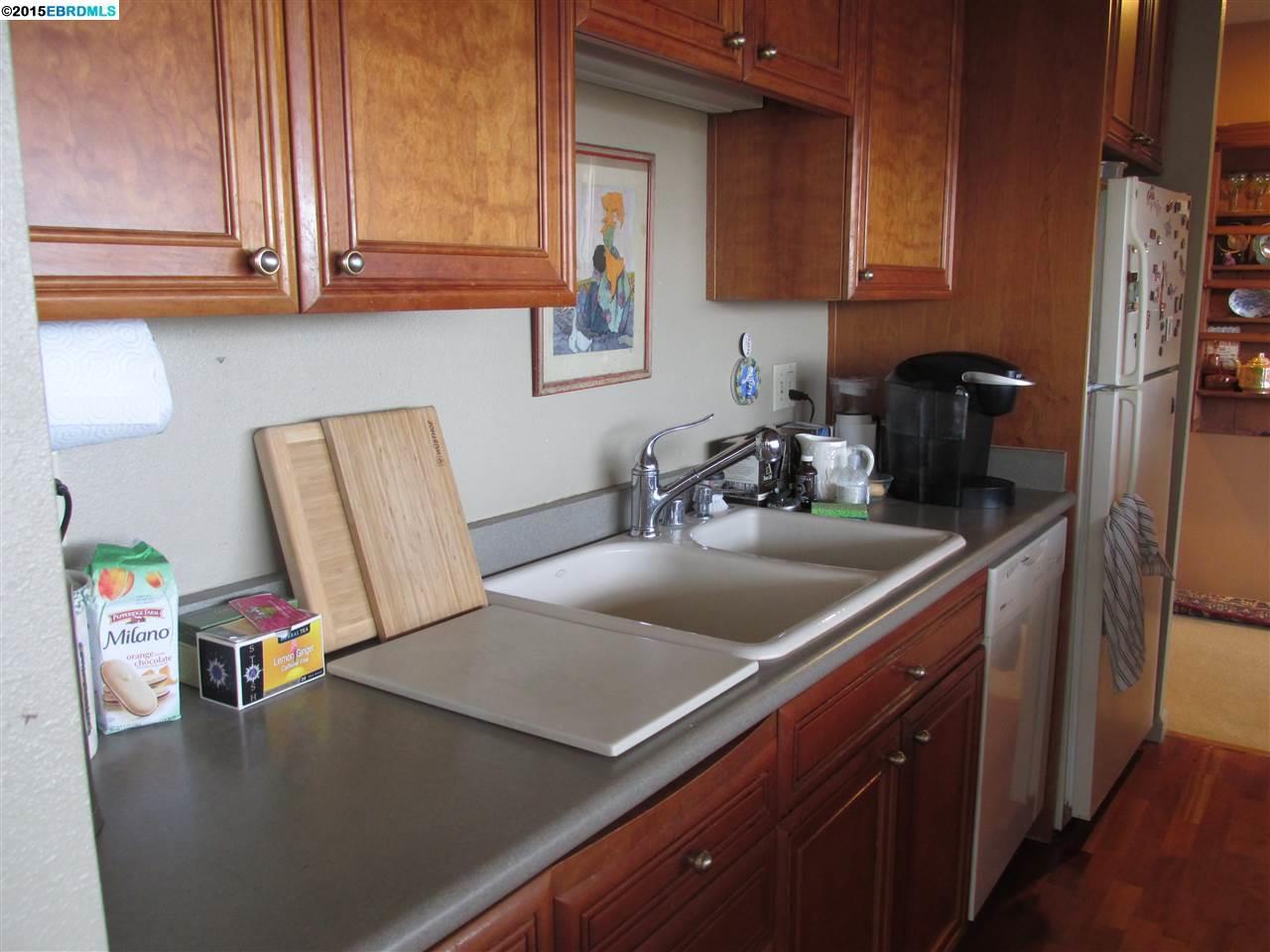 Additional photo for property listing at 565 Bellevue  Oakland, Kalifornien 94610 Vereinigte Staaten