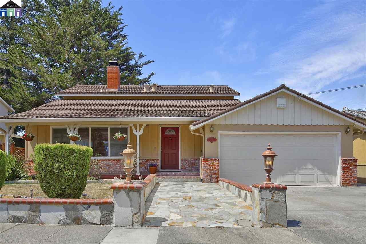 Single Family Home for Sale at 4940 Stacy Oakland, California 94605 United States