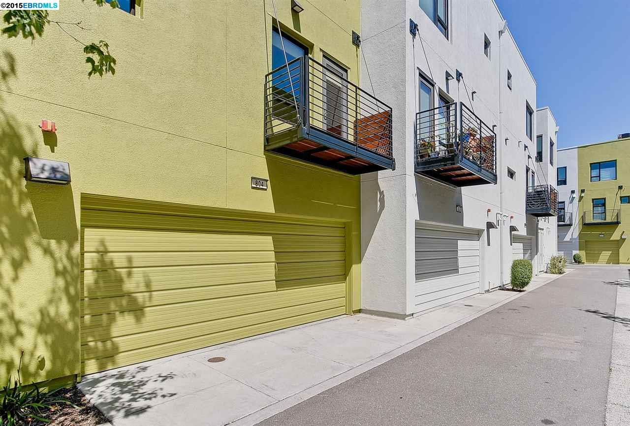 Additional photo for property listing at 804 ZEPHYR Drive  Oakland, California 94607 United States