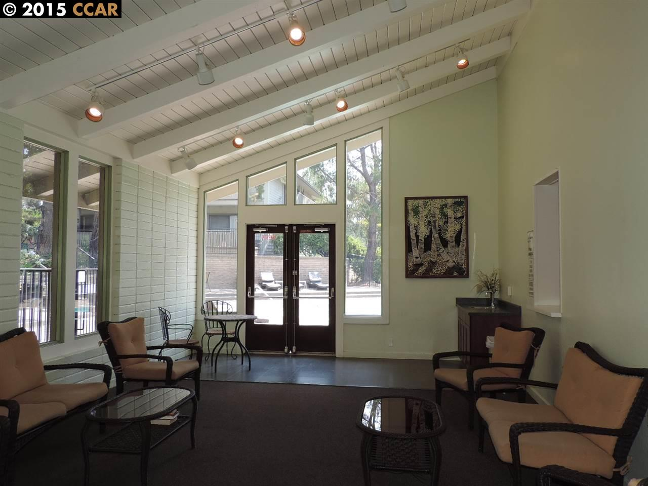 Additional photo for property listing at 1437 Marchbanks Drive  Walnut Creek, California 94598 United States