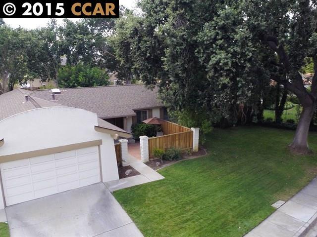 Частный односемейный дом для того Продажа на 1911 ARGONNE Drive Walnut Creek, Калифорния 94598 Соединенные Штаты