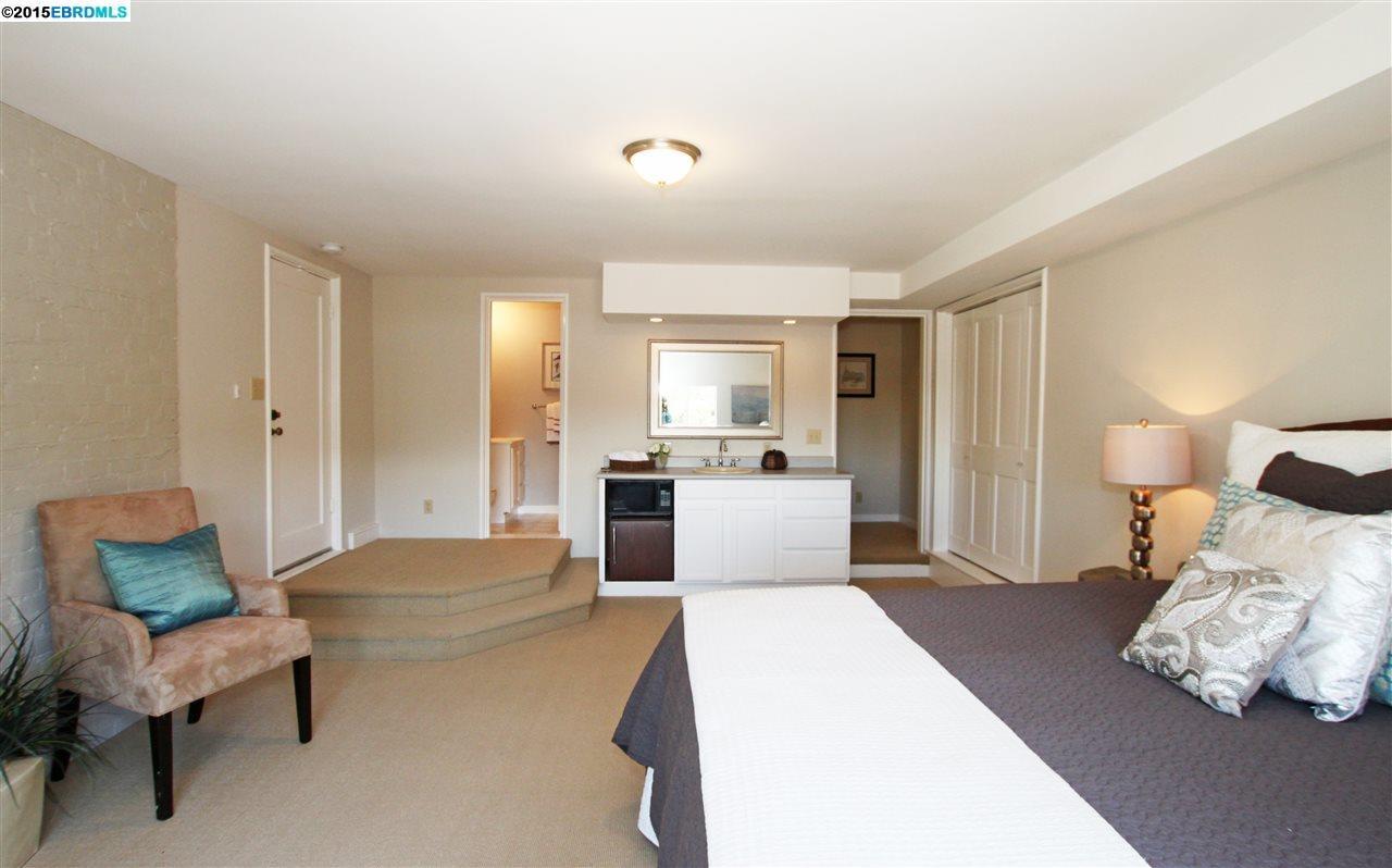 Additional photo for property listing at 5608 Colton Blvd.  Oakland, Kalifornien 94611 Vereinigte Staaten