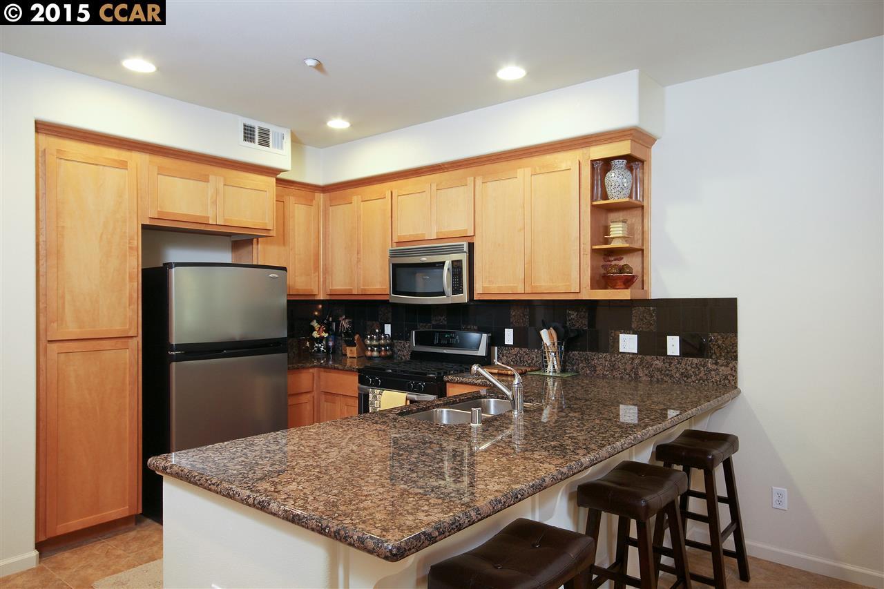 Additional photo for property listing at 1302 Cobblestone Lane  San Lorenzo, Калифорния 94580 Соединенные Штаты