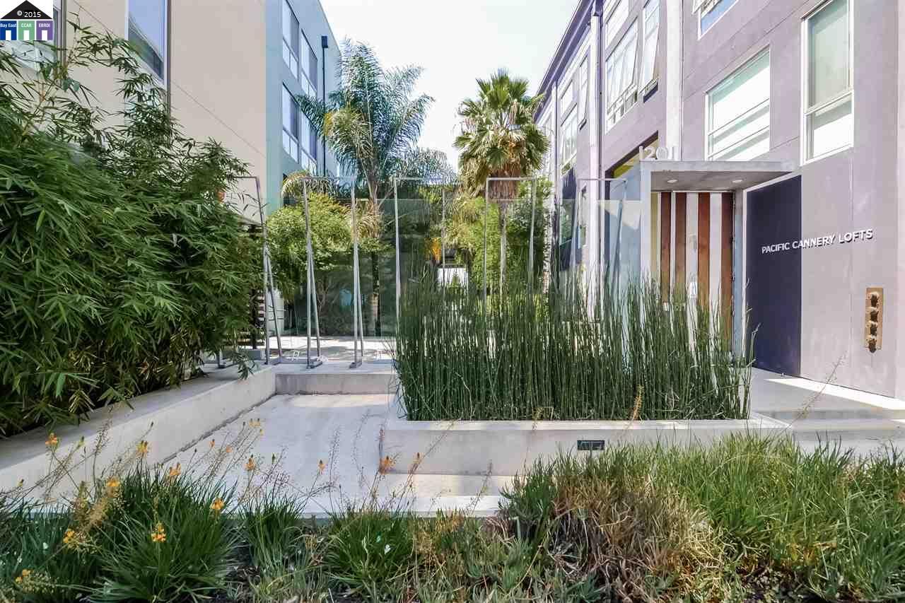 獨棟家庭住宅 為 出售 在 1195 Pine Street Oakland, 加利福尼亞州 94607 美國