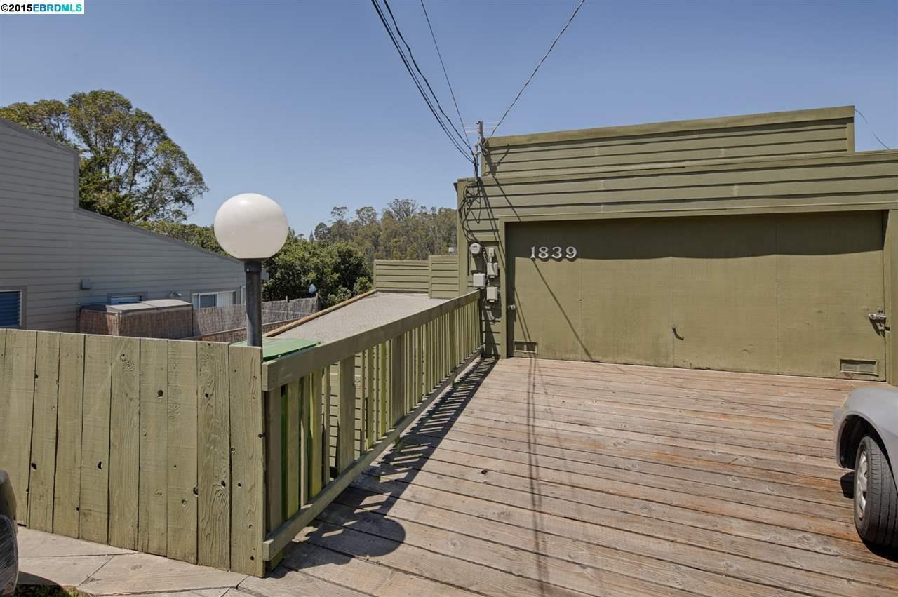 Частный односемейный дом для того Продажа на 1839 MAGELLAN DRIVE Oakland, Калифорния 94611 Соединенные Штаты