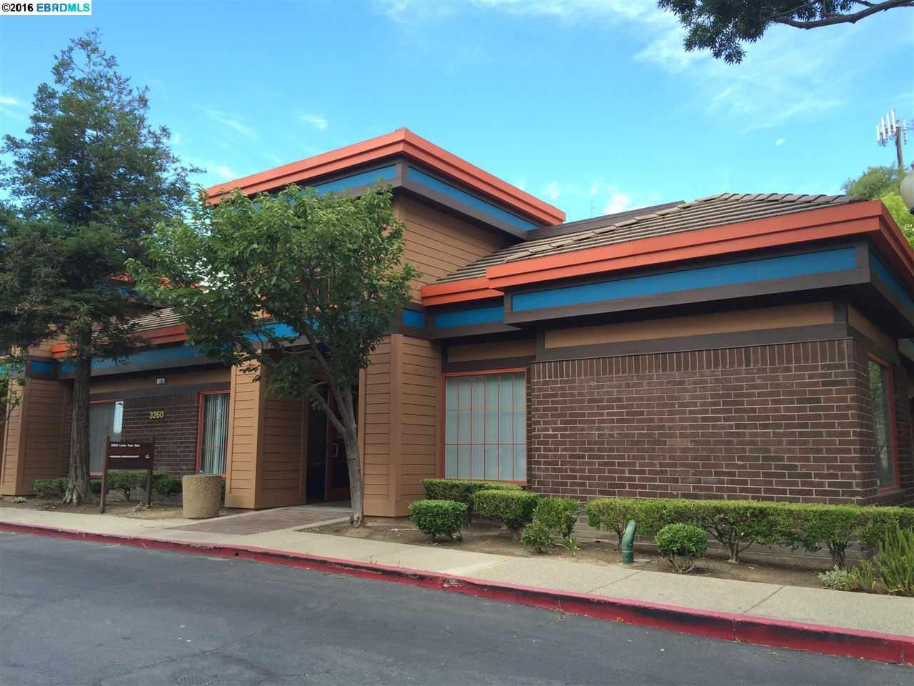 Maison unifamiliale pour l à louer à 3260 Lone Tree Way Antioch, Californie 94509 États-Unis