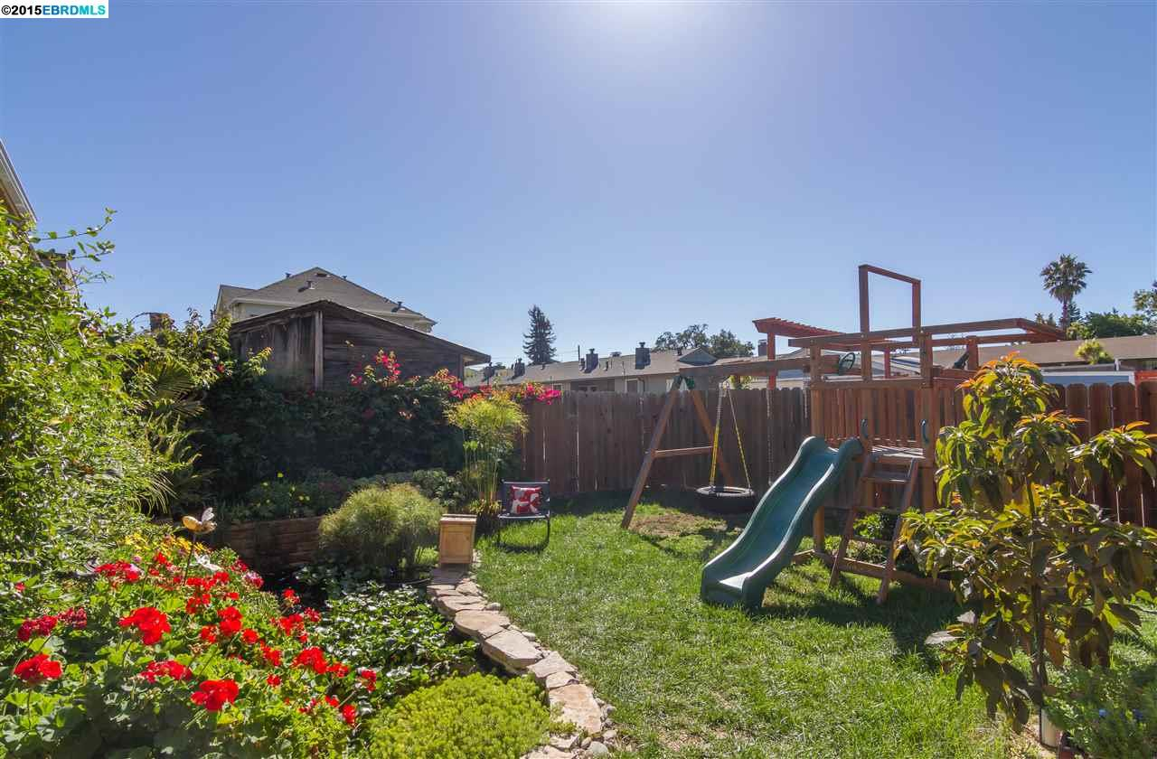 Additional photo for property listing at 8 MASTICK Court  Alameda, California 94501 United States
