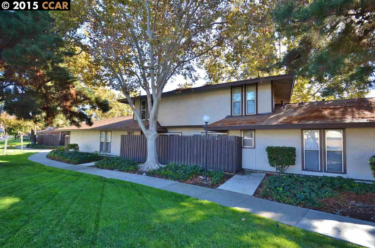 Single Family Home for Sale at 5422 Roundtree Court Concord, California 94521 United States