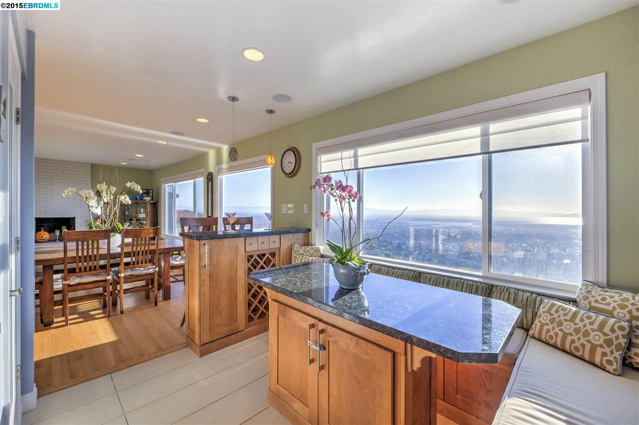 Additional photo for property listing at 129 Colgett Drive  Oakland, California 94619 Estados Unidos