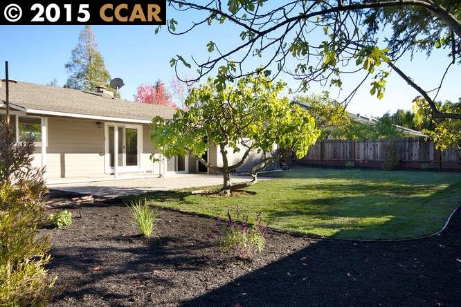 Additional photo for property listing at 825 AVALON Avenue  Lafayette, California 94549 Estados Unidos