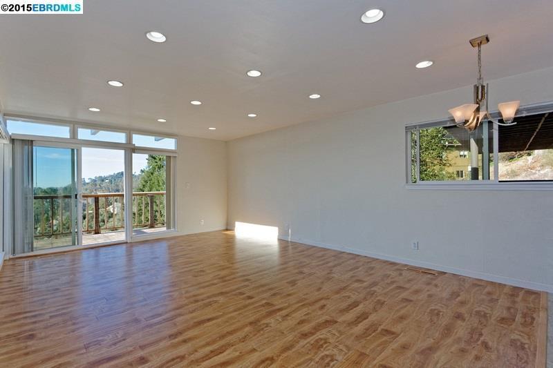 Additional photo for property listing at 7335 SNAKE Road  Oakland, California 94611 Estados Unidos