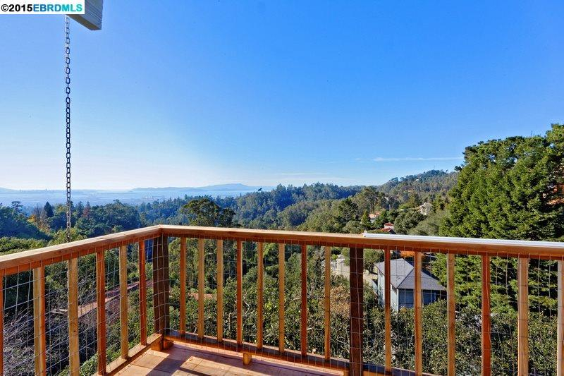 Additional photo for property listing at 7335 SNAKE Road  Oakland, Californie 94611 États-Unis