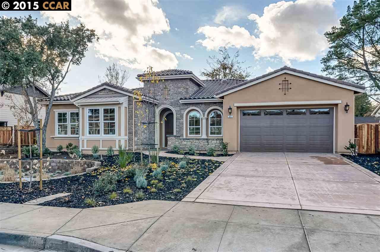 Maison unifamiliale pour l Vente à 893 Amberwood Court Walnut Creek, Californie 94598 États-Unis