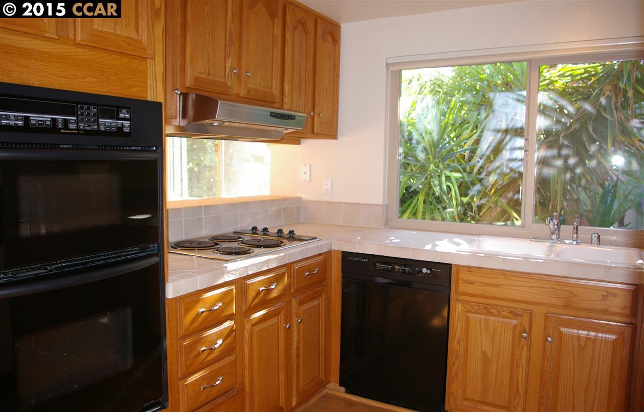 Additional photo for property listing at 26 JIB Court  Pleasant Hill, Калифорния 94523 Соединенные Штаты