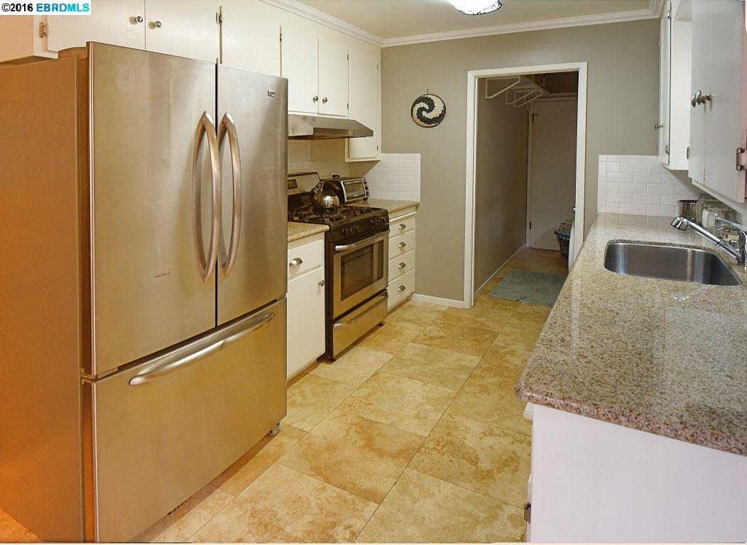 Additional photo for property listing at 6416 SUNNYMERE Avenue  Oakland, カリフォルニア 94605 アメリカ合衆国
