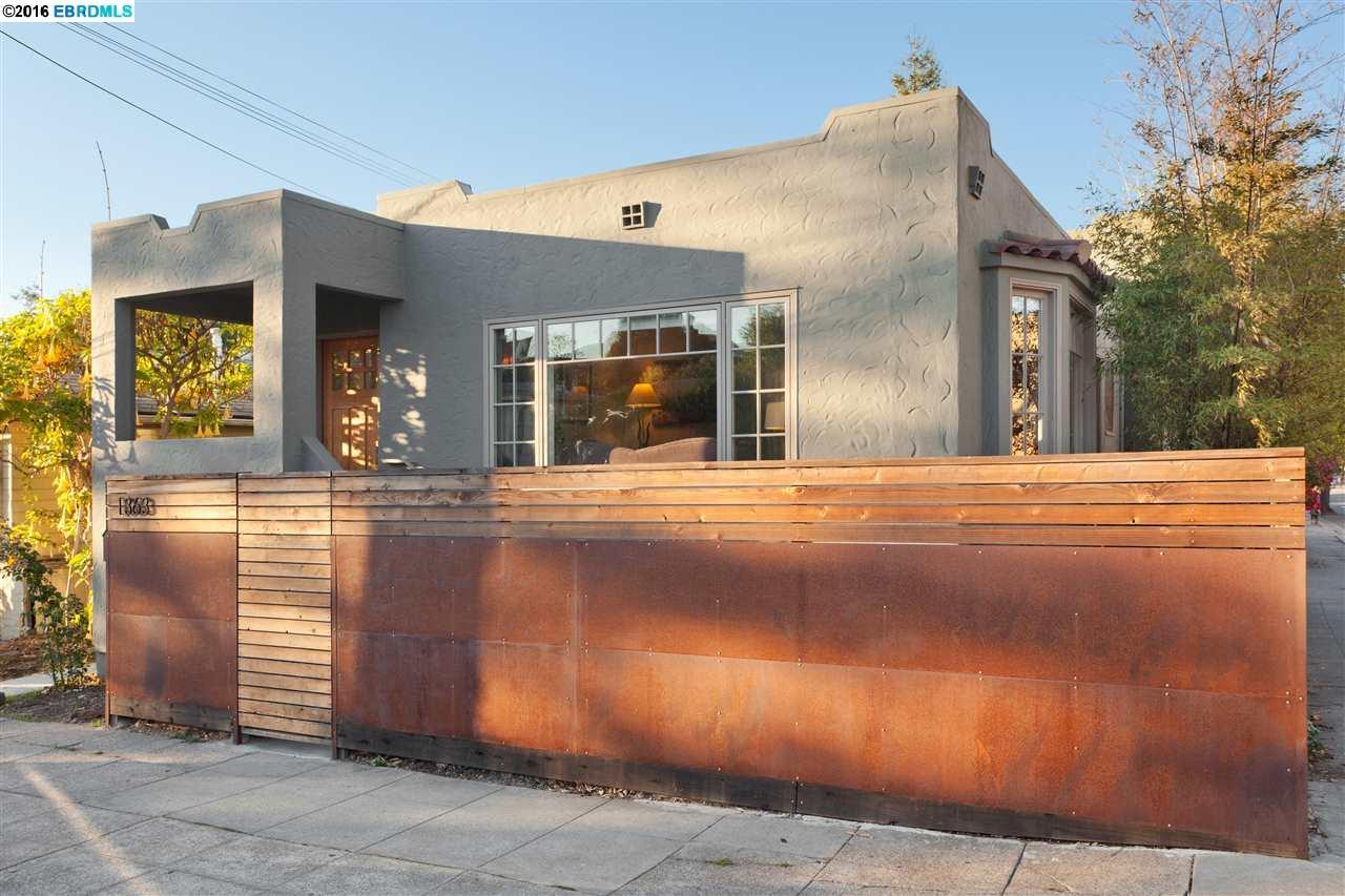 Maison unifamiliale pour l Vente à 1363 ADDISON Street Berkeley, Californie 94702 États-Unis