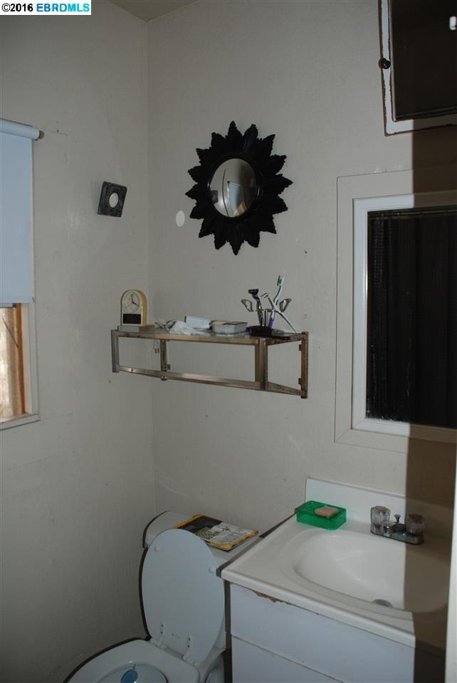 Additional photo for property listing at 539 63rd Street  Oakland, Калифорния 94609 Соединенные Штаты