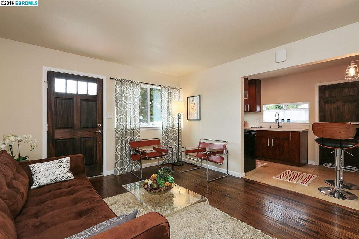 Single Family Home for Sale at 845 DWIGHT CRESCENT Berkeley, California 94710 United States