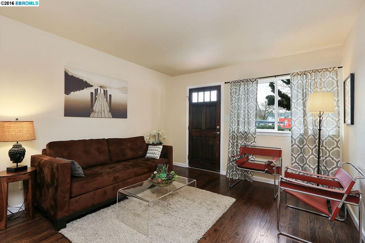 Additional photo for property listing at 845 DWIGHT CRESCENT  Berkeley, California 94710 United States
