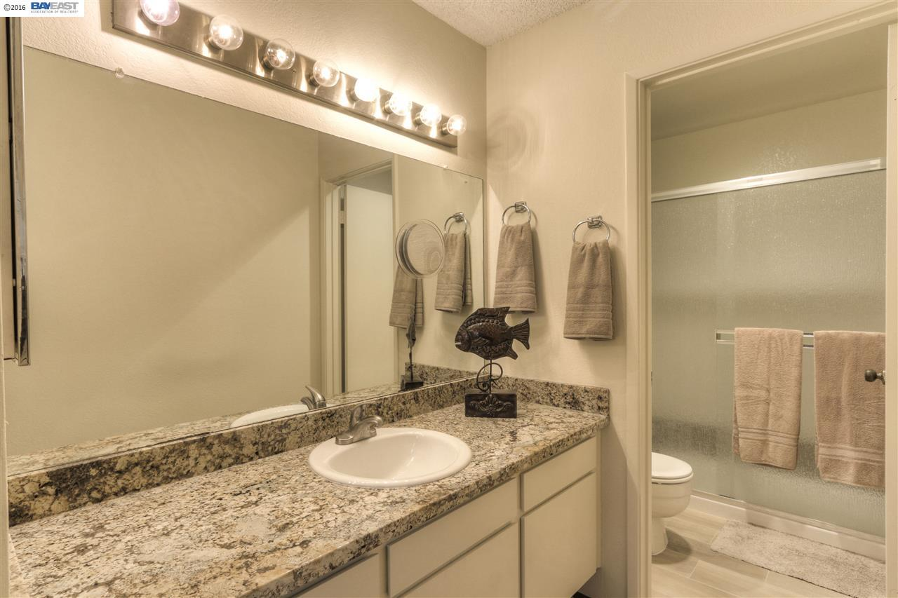 Additional photo for property listing at 31011 Everett Court  Hayward, Californie 94544 États-Unis