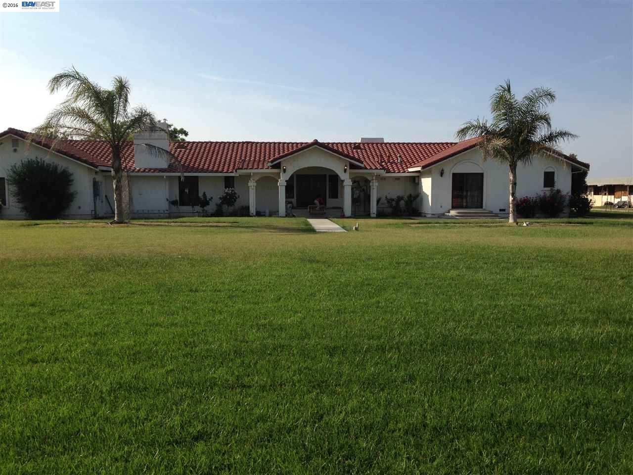 獨棟家庭住宅 為 出售 在 2207 Orange Avenue Patterson, 加利福尼亞州 95363 美國