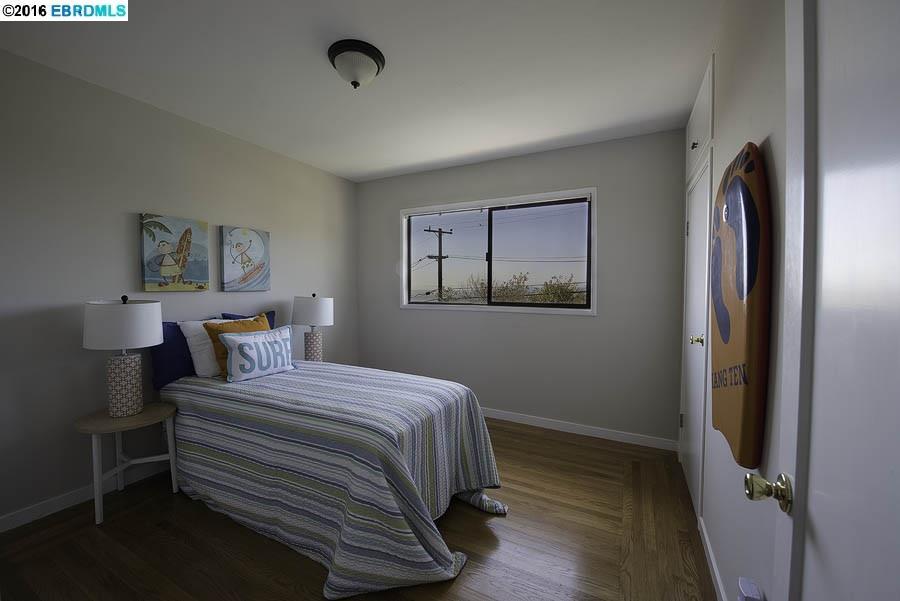 Additional photo for property listing at 42 Cowper Avenue  Kensington, Californie 94707 États-Unis