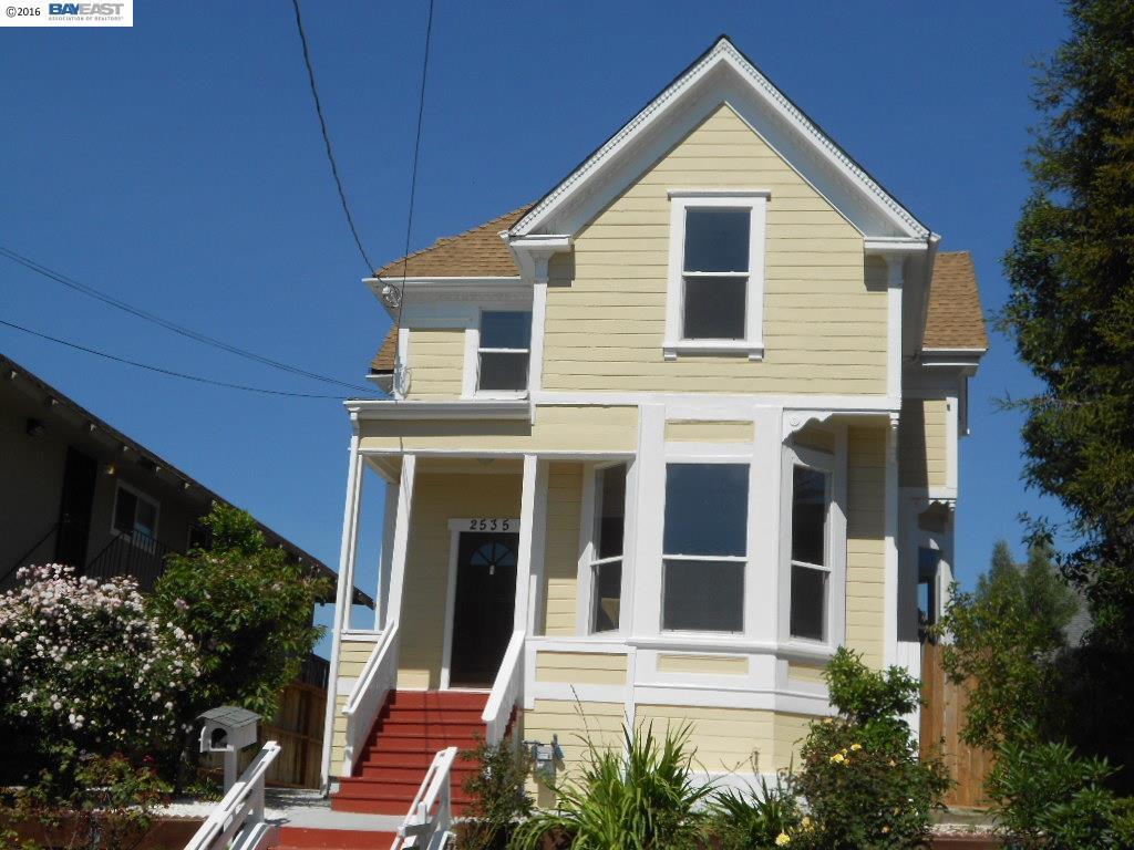 Maison unifamiliale pour l Vente à 2535 21ST Avenue Oakland, Californie 94606 États-Unis