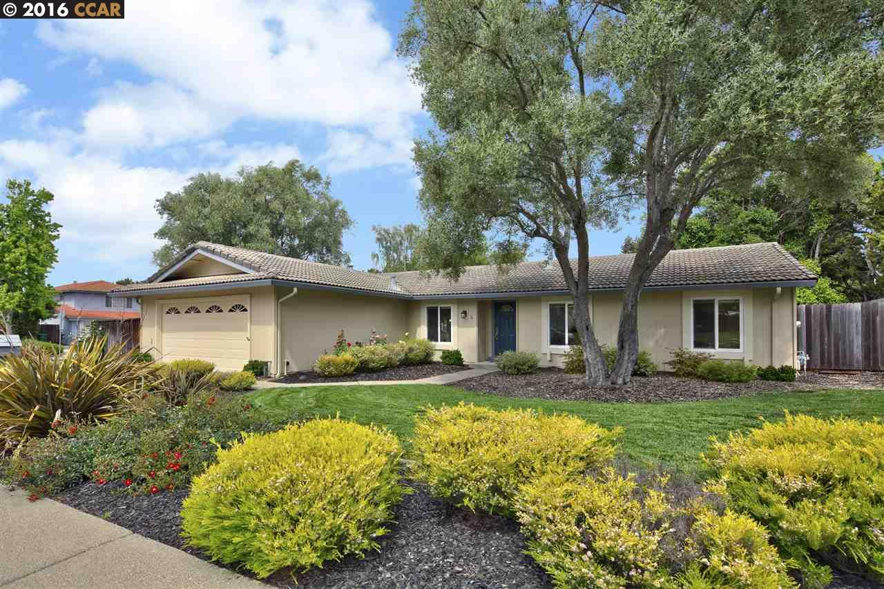 Maison unifamiliale pour l Vente à 4 LITTLE CREEK Court San Ramon, Californie 94583 États-Unis