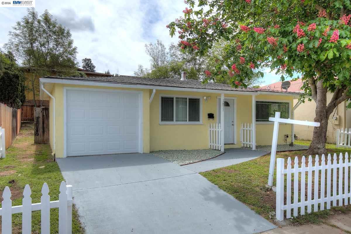 Частный односемейный дом для того Продажа на 1871 HILL Avenue Hayward, Калифорния 94541 Соединенные Штаты