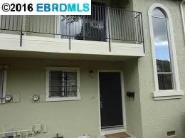 Кондоминиум для того Продажа на 8 Meadowbrook Pittsburg, Калифорния 94565 Соединенные Штаты