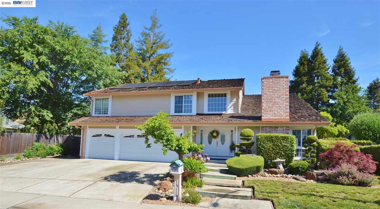 Частный односемейный дом для того Продажа на 9562 THUNDERBIRD Drive San Ramon, Калифорния 94583 Соединенные Штаты