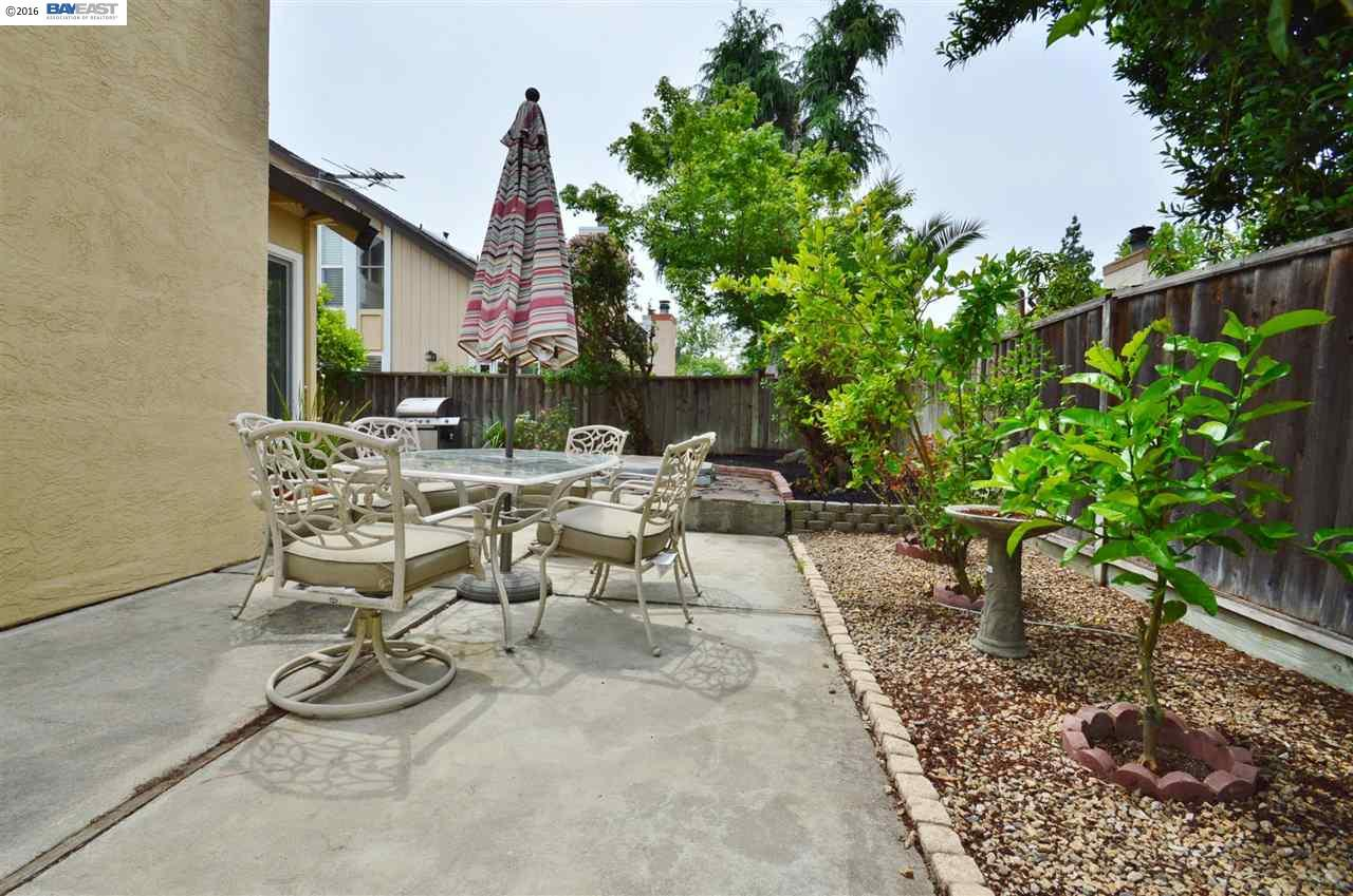Additional photo for property listing at 2447 BAY MEADOWS Circle  Pleasanton, Californie 94566 États-Unis