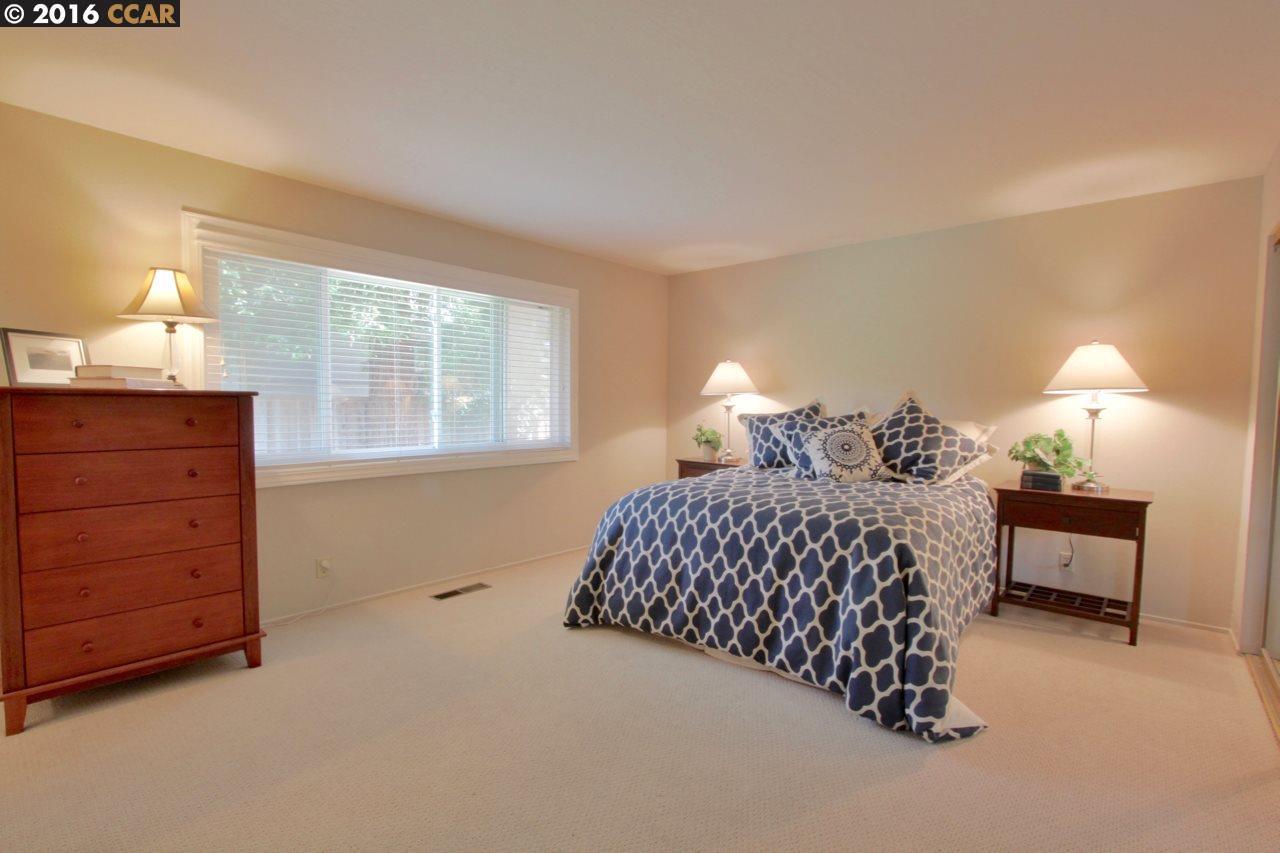 Additional photo for property listing at 300 Borica Drive  Danville, 加利福尼亞州 94526 美國