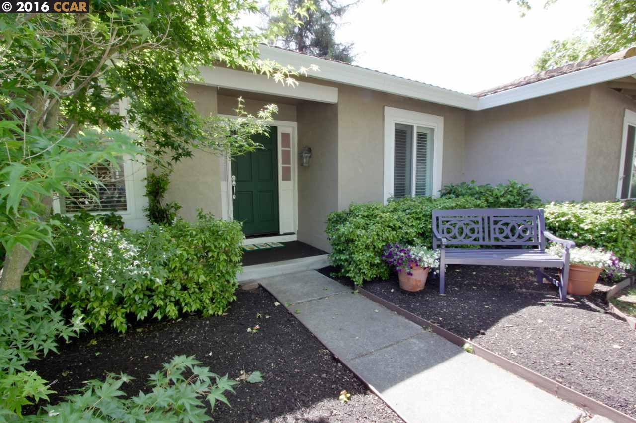 Additional photo for property listing at 300 Borica Drive  Danville, California 94526 United States