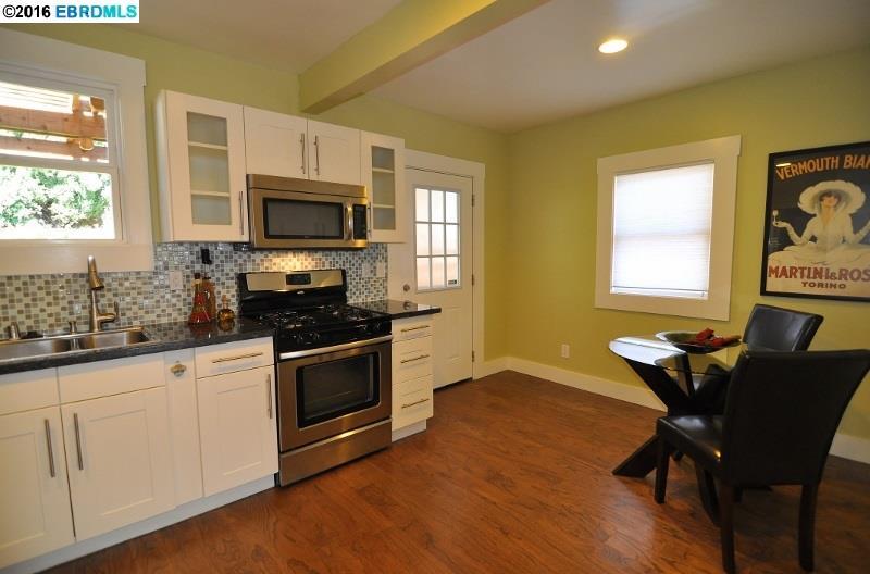 Additional photo for property listing at 5344 WALNUT Street  Oakland, 加利福尼亞州 94619 美國