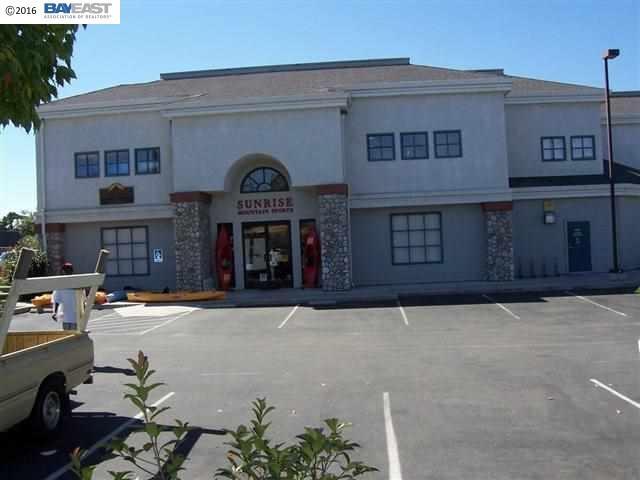 Single Family Home for Rent at 2455 Railroad Avenue 2455 Railroad Avenue Livermore, California 94550 United States
