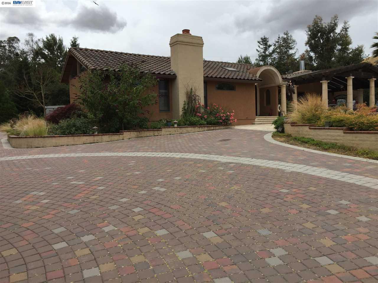 واحد منزل الأسرة للـ Sale في 7484 Sheridan Road 7484 Sheridan Road Sunol, California 94586 United States