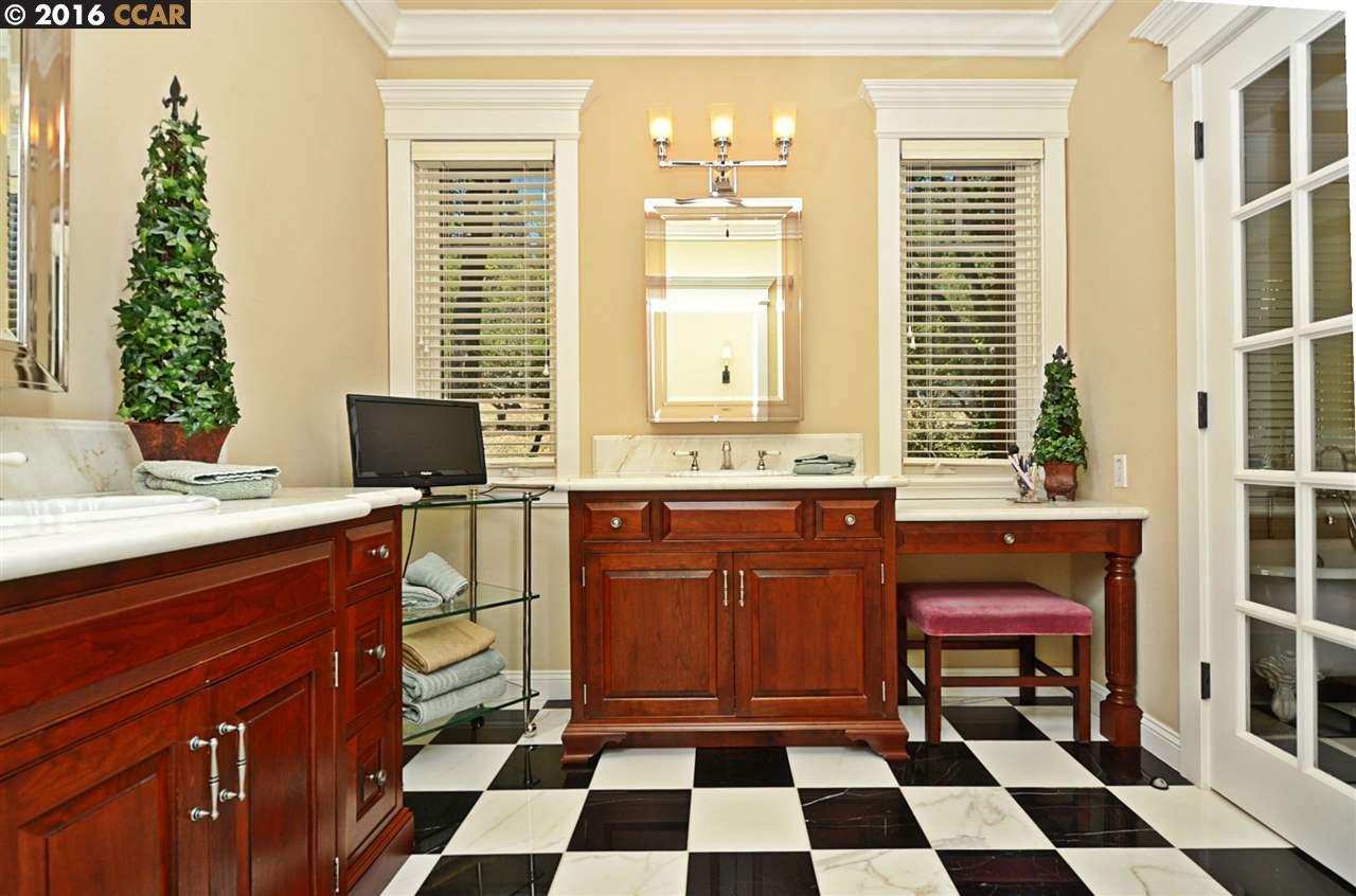 Additional photo for property listing at 2083 ALAMEDA DIABLO  Diablo, California 94528 United States