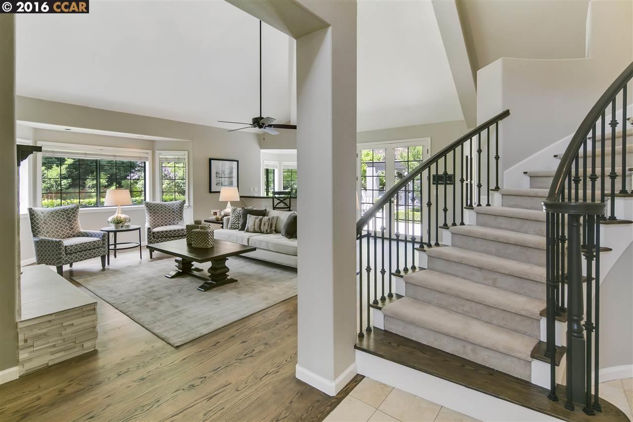 獨棟家庭住宅 為 出售 在 111 TRACY Court Alamo, 加利福尼亞州 94507 美國
