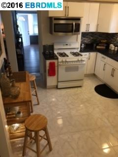 Additional photo for property listing at 2139 66TH Avenue  Oakland, カリフォルニア 94621 アメリカ合衆国