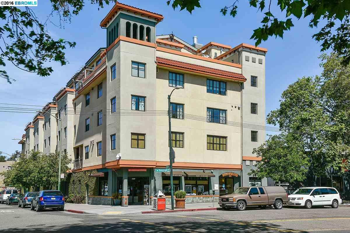 獨棟家庭住宅 為 出售 在 4811 TELEGRAPH Avenue Oakland, 加利福尼亞州 94609 美國