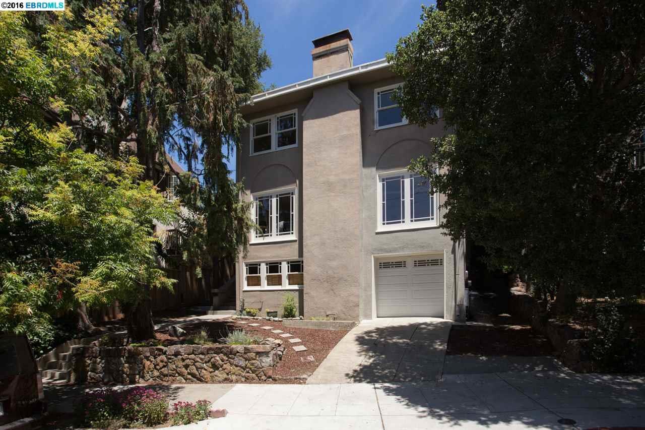 Casa Multifamiliar por un Venta en 2405 Hillside Avenue Berkeley, California 94704 Estados Unidos